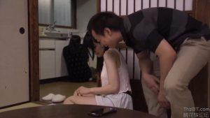พ่อข่มขืนลูกสาว ไม่อยากให้แม่เจ็บ ต้องให้พ่อเลี้ยงเย็ดหี