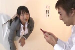 หนังโป๊ญี่ปุ่น ผู้หญิงตัวติดกำแพง เธอเลยโดนเย็ดหี WATCH JAV