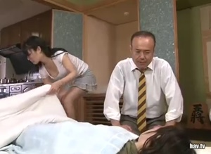 หนังโป๊ญี่ปุ่น พ่อแอบเย็ดหีลูกสาว ตอนแม่นอนป่วย
