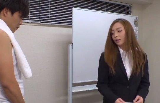 ดูหนังxญี่ปุ่น ลีลาเซ็กส์สาวออฟฟิต หลอกเย็ดช่างไฟ ไม่เซ็นเซอร์