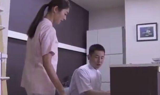 แอบเย็ดนางพยาบาลคนสวยในโรงพยาบาล เพราะเธอมันน่าเย็ด