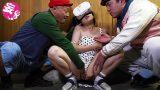 หนังโป๊vr เด็กสาววัยกำลังเงี่ยนรูหี แอบเย็ดกับพ่อ และพี่ชายตัวเอง
