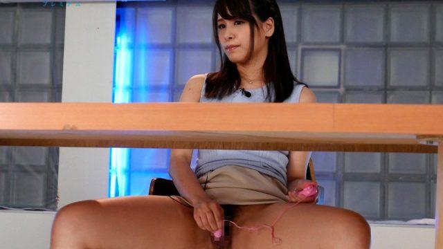 แอบเย็ดนักข่าวสาว เพราะเธอร่านรูหีตอนรายงานข่าวสด หนังโป๊ญี่ปุ่นดูผ่านเน็ต