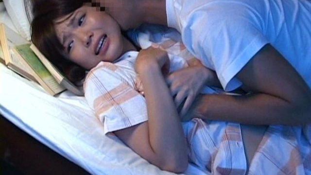 หน้งโป๊แนวครอบครัว พ่อแอบเย็ดลูกสาวเตียงล่าง เสียวถึงหีน้องสาวนอนเตียงบน