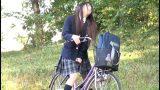 เด็กสาวขี้เงี่ยน สำเร็จความใคร่บนอานจักรยาน ผู้ชายเลยพาไปเย็ดในห้องส้วม