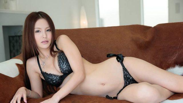 Jav Uncensored Emiri Okazaki สวยเซ็กส์เด็ดถึงใจ โชว์ลีลาอ่ารูหีให้ผู้ชายเย็ด