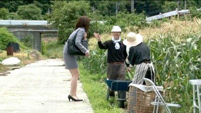 ข่มขืนเย็ดหี ไม่เลือกที่เลือกเวลา Japan av แอบจับผู้หญิงกระเด้าเย็ดเพราะว่าเงี่ยน