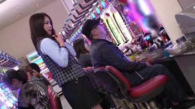 หนังเอวีญี่ปุ่น จับข่มขืนเอาควยแยงรูหีพนักงานสาวร้านปาจิงโกะ ก็คนไม่เงี่ยนไม่เลือกที่