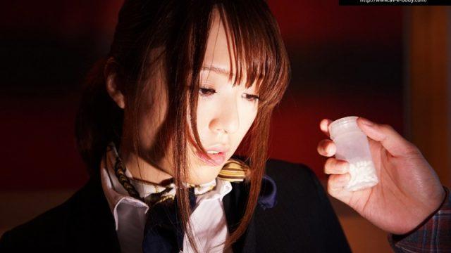 แอร์โฮสเตสคนสวยกับยาเสียสาว หนังโป๊ญี่ปุ่น จ้างให้กินยาปลุกเซ็กส์แล้วเย็ดกระจาย