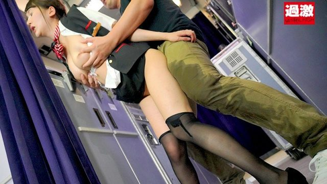 Javfree แอบเย็ดแอร์โฮสเตสบนเที่ยวบินชั้นประหยัด