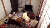 คนแอบเย็ดกัน รายการทีวีโป๊ญี่ปุ่น จ้างให้คนแอบเอากันใต้โต๊ะอุ่นขา