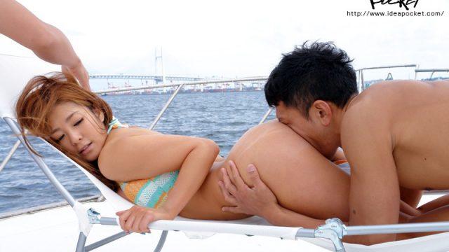 สาวเซ็กส์สวยซ่า เธอโกงตูดให้ผู้ชายดมกลิ่นหี แล้วเย็ดกันบนเรือสุดหรู