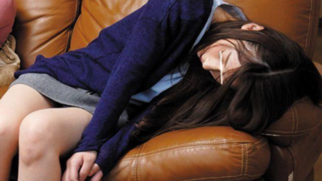 พี่ชายฝึกจิต หลอกเย็ดน้องสาวต่างแม่ แล้ววางยาเพื่อนสาวเพื่อลักหลับ